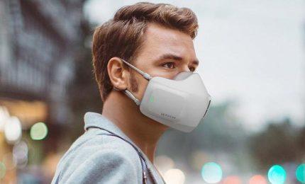 Le mascherine ora sono hitech: traducono e misurano l'ossigeno
