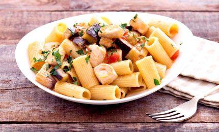 Rigatoni al ragù di pesce spada, un classico della cucina italiana