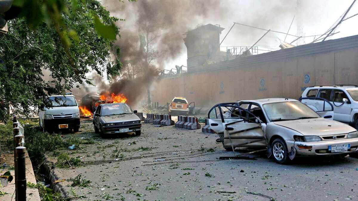 Afghanistan, pioggia di razzi a Kabul. Esplosioni anche vicino all'ospedale di Emergency, 8 morti