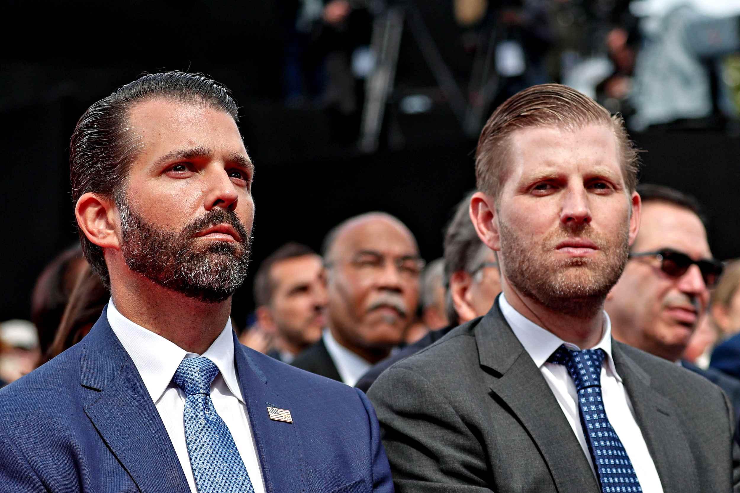 """Usa 2020, i repubblicani abbandonano Trump. E i figli sbottano: """"Deboli e  pecore"""""""