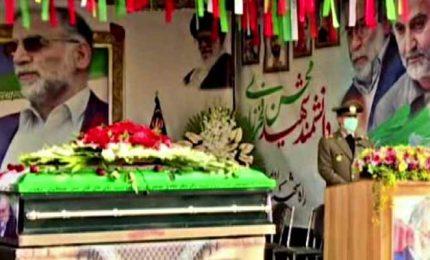In Iran funerali da martire per lo scienzato nucleare Fakhrizadeh