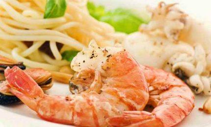 """Spaghetti alla """"piccola bugia"""", primo piatto al sapore di mare fresco"""