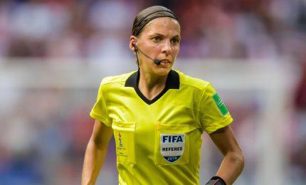 Calcio, Stephanie Frappart dirigerà Juventus-Dinamo Kiev
