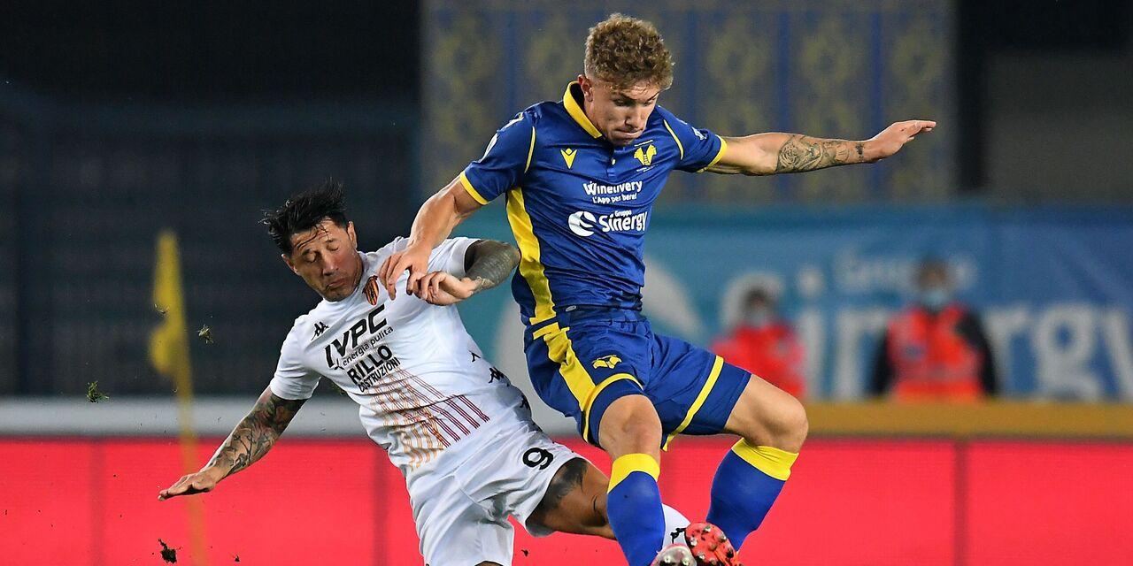 Verona-Benevento 3-1: decidono Barak e Lazovic. Hellas nei quartieri alti