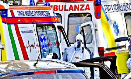 Coronavirus, l'allarme degli infettivologi: si rischia lockdown degli ospedali
