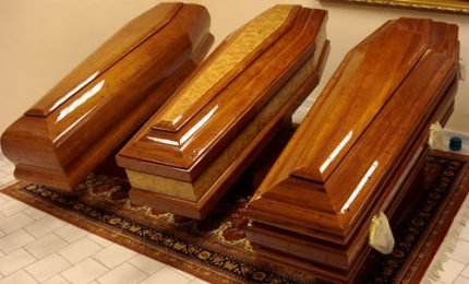 Scambio di salme a Palermo, funerale col corpo sbagliato. Si muove la procura