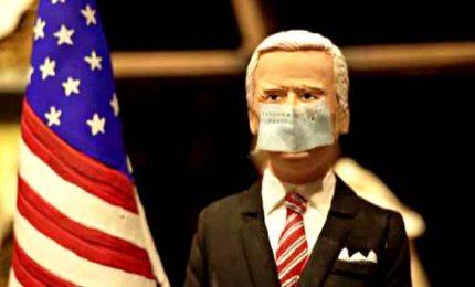Nei presepi di Napoli irrompono Joe Biden e il Covid