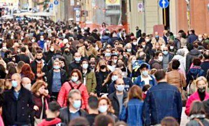 Stretta di Zaia, Bonaccini e Fedriga sui negozi e lo struscio