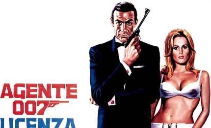 All'asta la pistola del primo 007: vale oltre 150mila dollari. Oltre 600 articoli, anche un casco di Top Gun