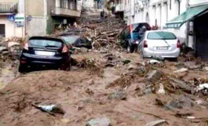 Maltempo in Sardegna, morti e dispersi per frane e allagamenti