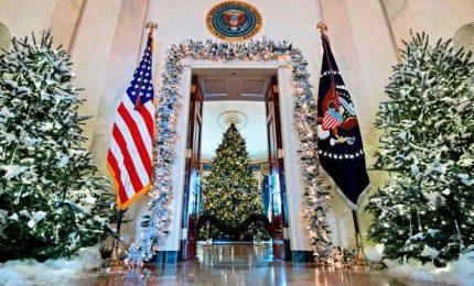 """""""America the Beautiful"""", l'ultimo albero di Natale di Melania alla Casa Bianca"""