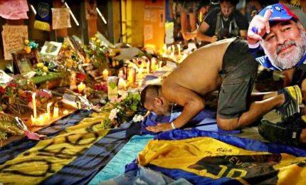 Le spoglie di Maradona al palazzo presidenziale per camera ardente