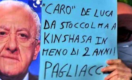 """La protesta dei sanitari ad Aversa: """"Non si muore di solo Covid"""""""