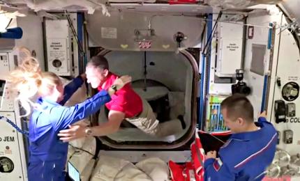 Crew Dragon ha attraccato alla Stazione spaziale