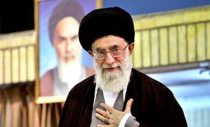 """""""Khamenei è malato: poteri al figlio"""". E' giallo sulla guida suprema dell'Iran"""