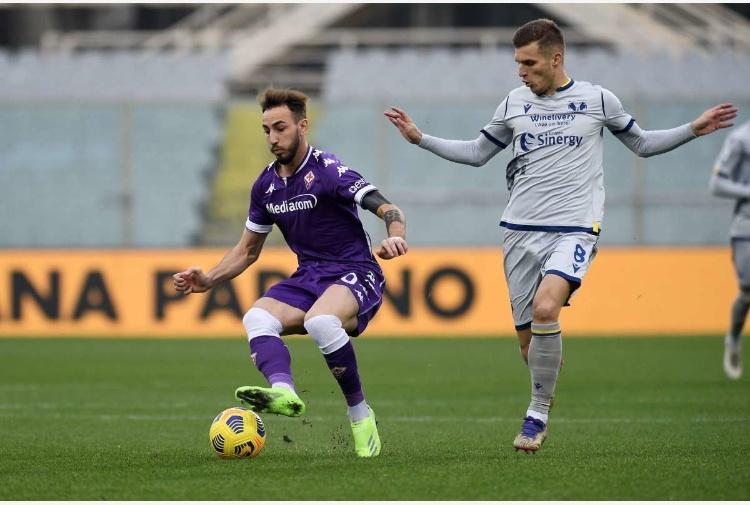 Fiorentina-Verona 1-1, rigori di Miguel Veloso e Vlahovic