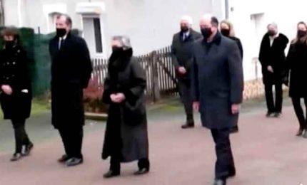 I funerali di Giscard d'Estaing sepolto nel cimitero privato