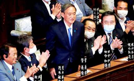 Crisi pandemica, il Giappone approva una manovra da quasi 840 miliardi di euro