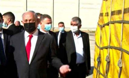 In Israele arriva il vaccino Pfizer, Netanyahu: io sarò il primo