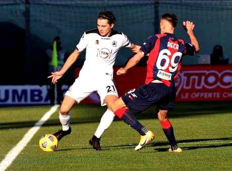 Crotone-Spezia 4-1, prima vittoria per i calabresi