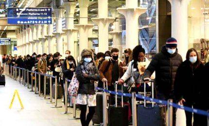 Variante Covid-19, crescono i Paesi che hanno bloccato i voli dalla Gran Bretagna