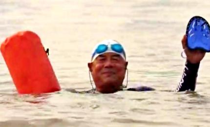 A Wuhan si torna a nuotare nello Yangtze nel nome di Mao