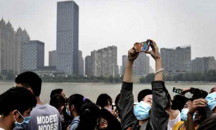 Wuhan, un anno dopo: come si vive fuori dall'incubo Covid 19