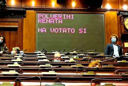 Alla Camera Conte guadagna ex M5s e Polverini (ora ex Fi). Italia viva si astiene