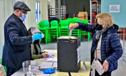 Portogallo alle urne per le presidenziali nonostante il coronavirus