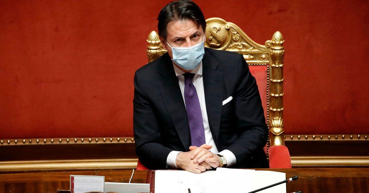 Crisi di governo, Conte gioca d'azzardo. Oggi il premier alla Camera domani al Senato