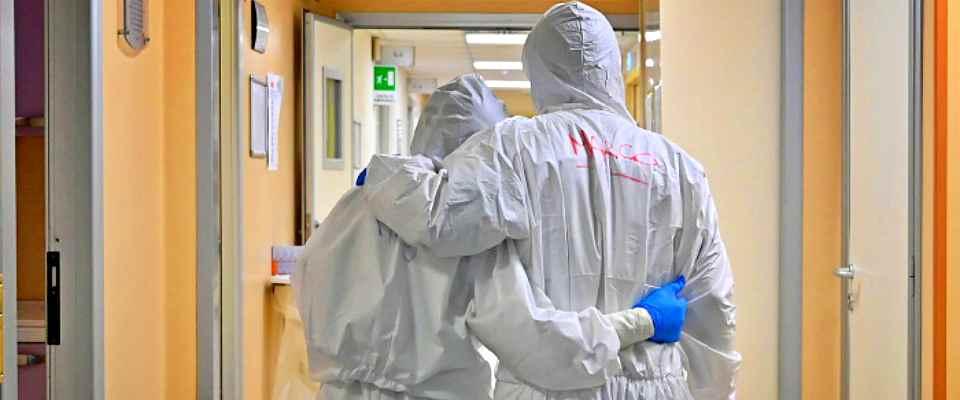 Covid, Toscana ad alto rischio con ospedali al collasso