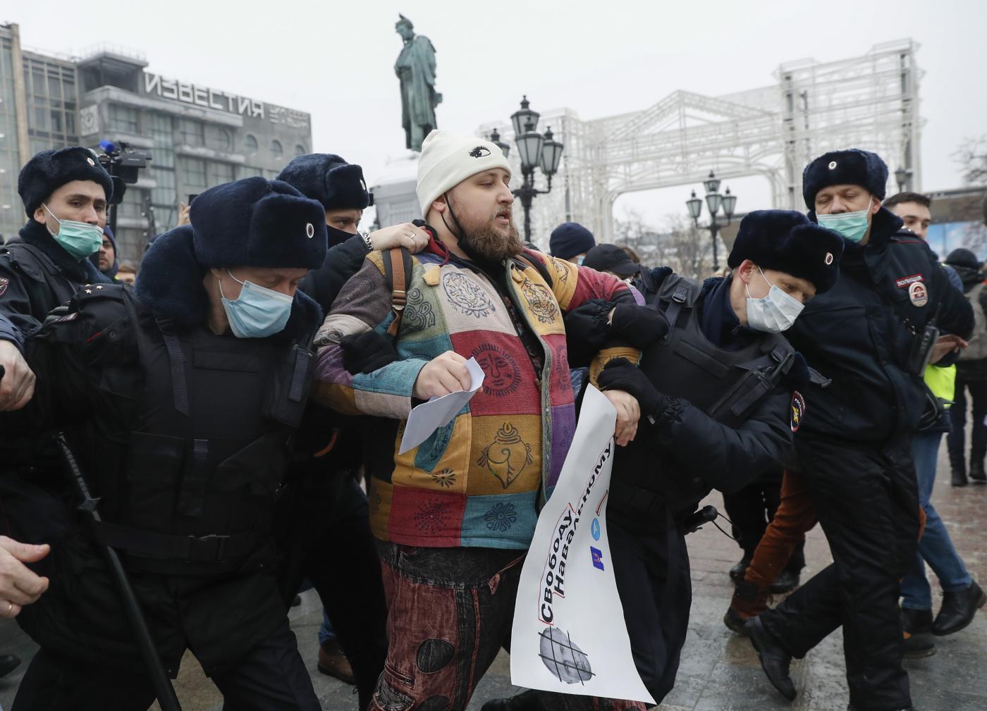 Navalny scatena proteste in Russia, oltre 3mila arresti