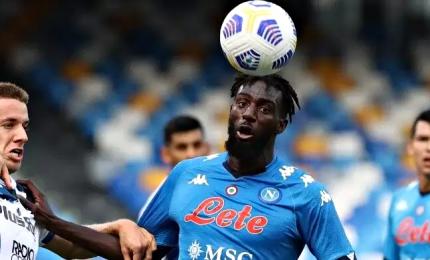 Il Napoli passa a Udine al 90'. Vincono Verona e Lazio