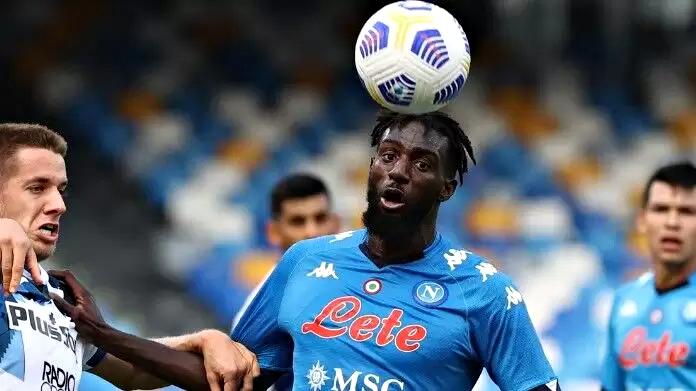 Il Napoli passa a Udine al 90′. Vincono Verona e Lazio