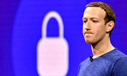 Facebook blocca l'account di Trump fino a fine mandato. Zuckerberg: mina il pacifico passaggio di potere