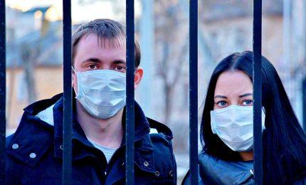 Coronavirus, con 30 milioni di vaccinati via le mascherine all'aperto