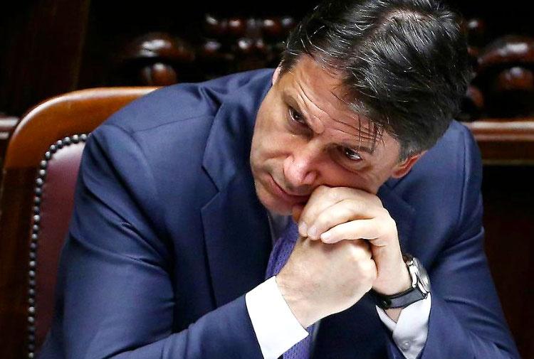 Ancora scontro Casaleggio-M5s. Conte: dacci i dati degli iscritti e onoreremo i debiti