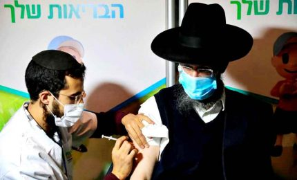 """Covid-19, Israele ha vaccinato il 25% della popolazione. """"Ue lenta"""". Italia nona al mondo"""