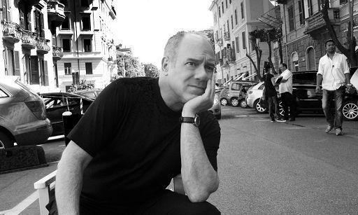"""""""La carezza della memoria"""", Carlo Verdone: un libro per dire grazie"""