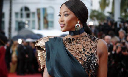 Effetti della pandemia su Sanremo, Naomi Campbell salta il Festival