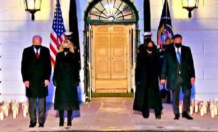 In Usa oltre 500mila morti di Covid, cerimonia alla Casa Bianca