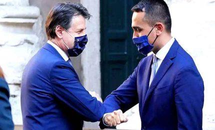 Conte e Di Maio sdoganano Draghi, M5S a fatica verso la svolta