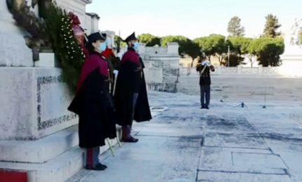Il nuovo Capo Polizia Lamberto Giannini all'altare della patria