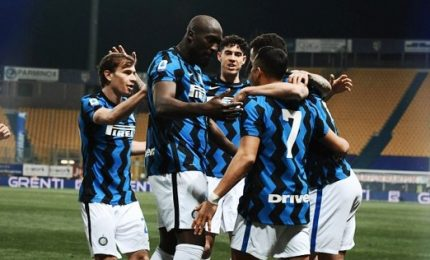 Parma-Inter 1-2, Sanchez e Lukaku mandano in fuga Conte