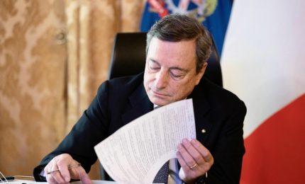 Draghi firma nuovo Dpcm: in zona rossa chiuse scuole e parrucchieri
