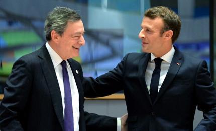 Asse Draghi-Macron su AstraZeneca. In arrivo il dl Sostegni