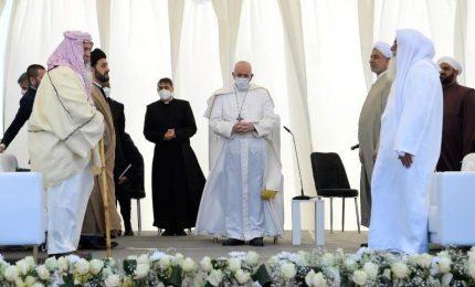 Iraq, storico incontro Papa e Al-Sistani. Francesco: ha difeso deboli da violenza