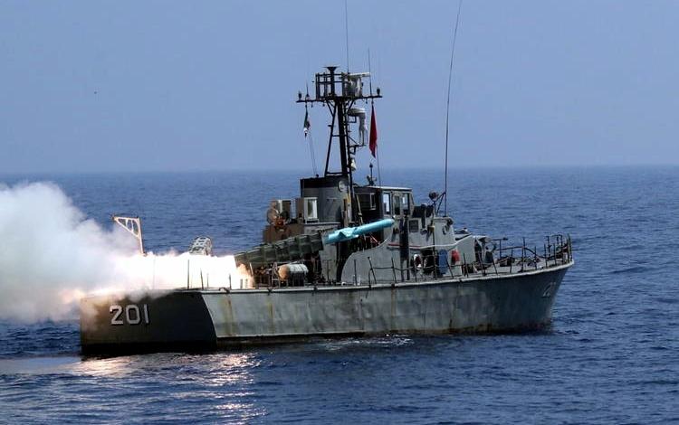 Missile iraniano contro nave israeliana diretta in India, danni