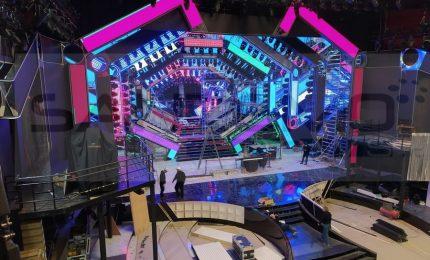 Festival di Sanremo al via, con un positivo e cambio di scaletta