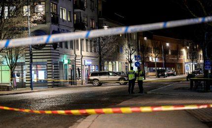 """Svezia, presunto attacco """"terroristico"""" all'arma bianca: 8 feriti"""